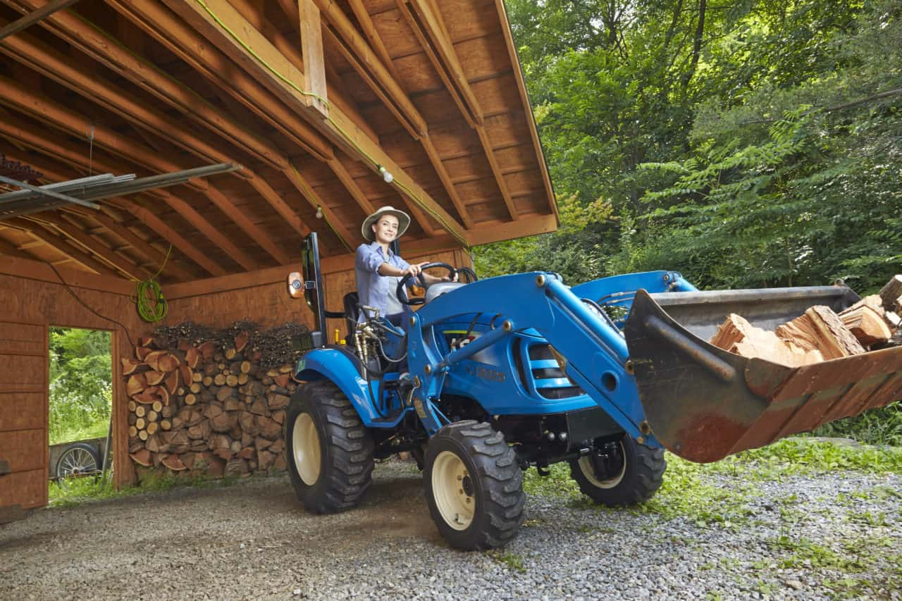 LS Tractor Lifestyle Photo